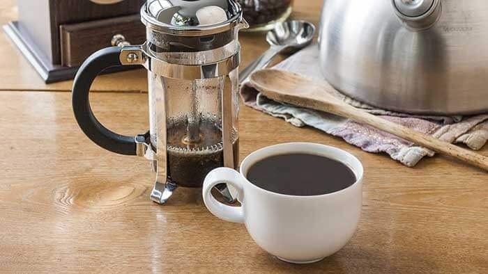 تهیه قهوه فرانسه با فرنچ پرس
