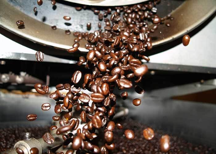 دانه های تفت داده شده قهوه