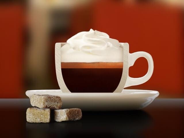 یک فنجان کافه کن پانا