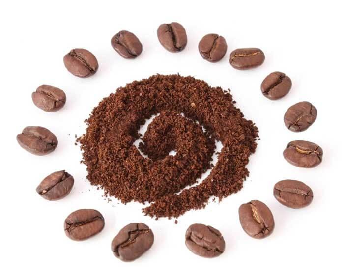 دانه قهوه و قهوه آسیاب شده