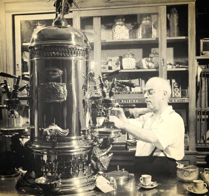 لوییچی بتزرا، مخترع دستگاه اسپرسو ساز