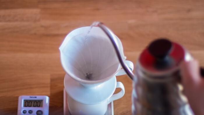 تهیه قهوه با وی شصت