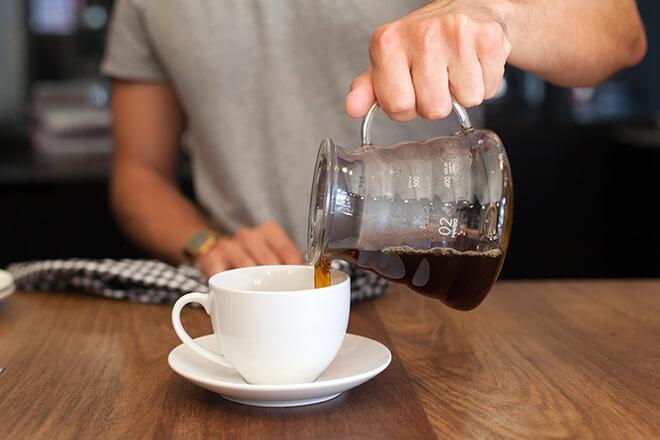 سرو کردن قهوه v60