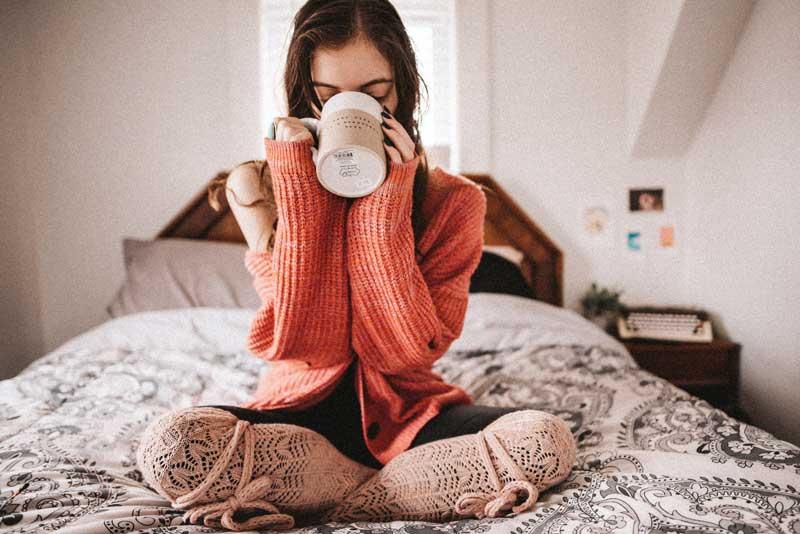 بسیاری از مردم در سراسر چهان روز خود را با یک لیوان قهوه آغاز میکنند